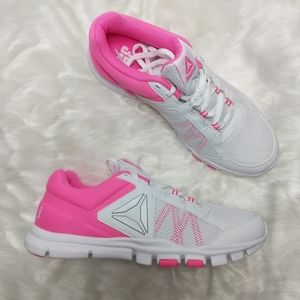 Reebok Avon 39 Breast cancer neon pink sneaker 9